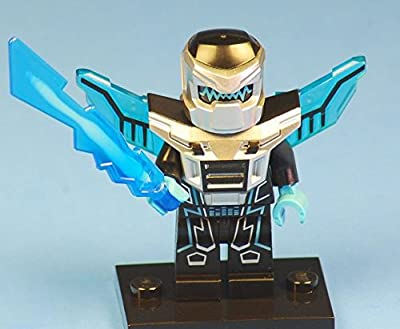 Winged Robot Warrior - LEGO Mini-Figures - Series 15